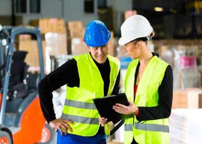 Az Tehlikeli İşyerlerinde İş Güvenliği Uzmanı Ve İşyeri Hekimliği Bulundurma Zorunluluğu